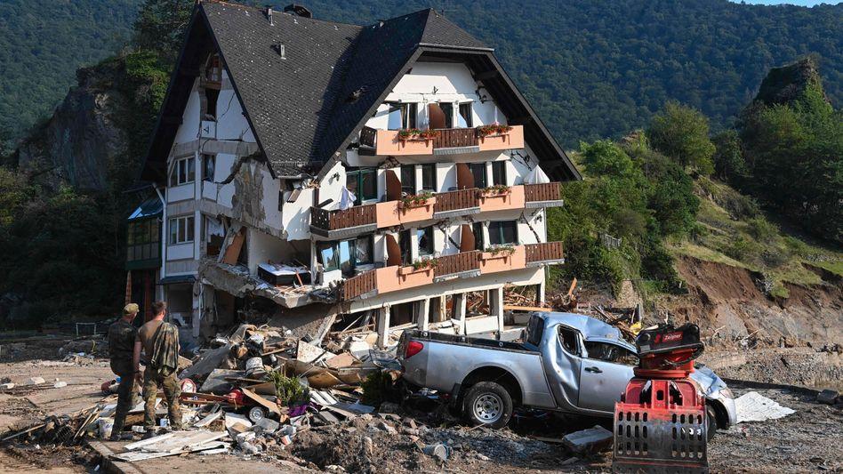 Wurde der Katastrophenfall mit Warnstufe 5 zu spät ausgerufen?