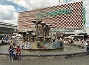 Offenbar leicht mit der Schule zu verwechseln: Der Kaufhof am Berliner Alexanderplatz