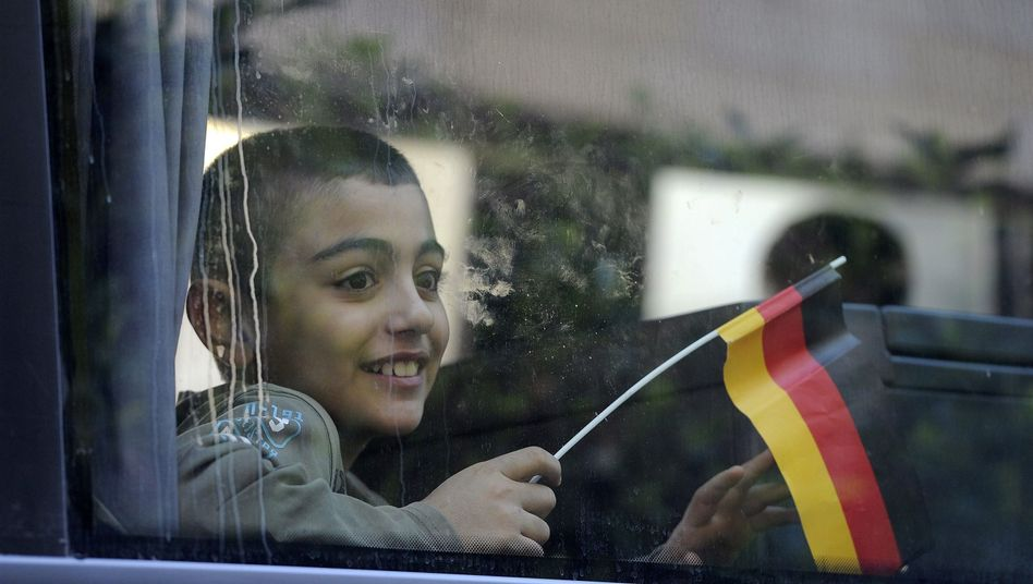 Syrisches Flüchtlingskind in Beirut vor dem Abflug nach Deutschland: Reform der Einwanderungsgesetze ist notwendig