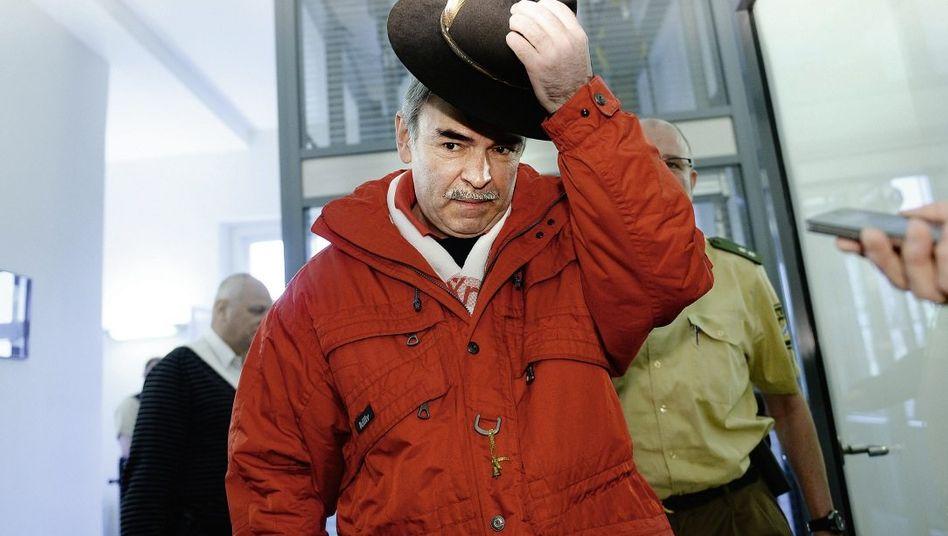 Patient Mollath vor einer Anhörung am Landgericht Bayreuth im April: Überwältigt von der Welle der Sympathie