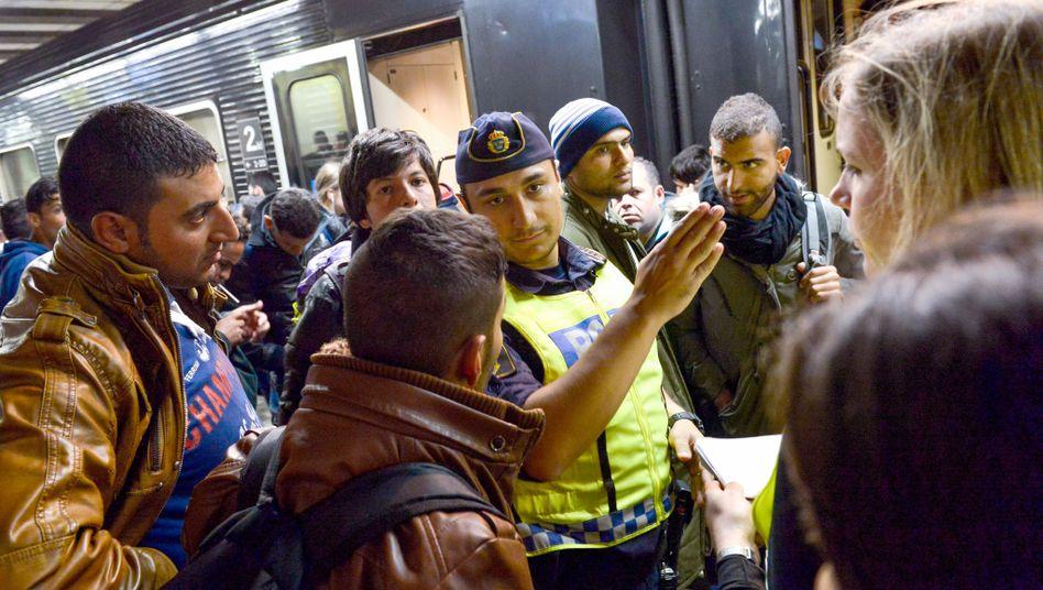 """Flüchtlinge in Stockholm: """"Mittlerweile kommen 2000 am Tag"""""""