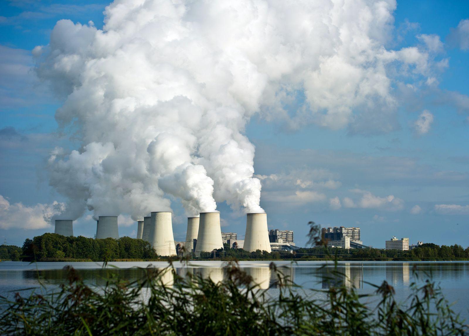 Vattenfall Braunkohlekraftwerk / Kohlekraftwerk