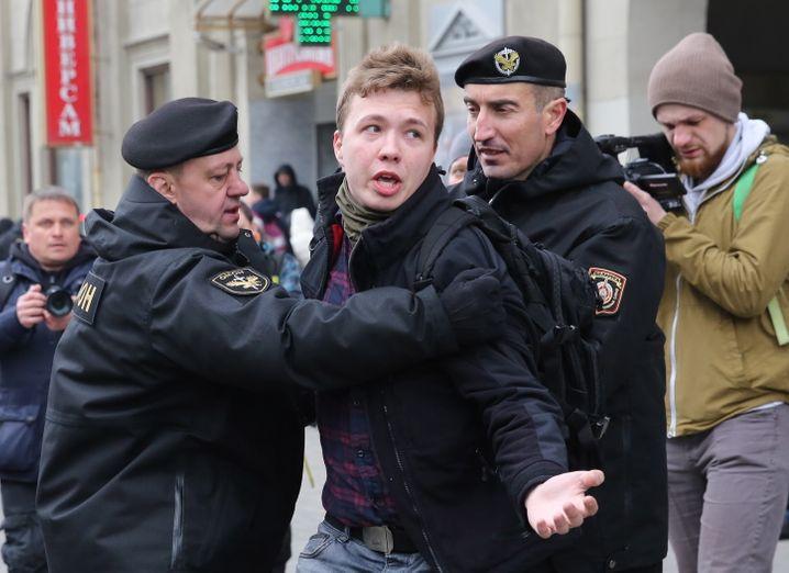 Der Journalist Roman Protasewitsch bei einer Demonstration in Minsk im März 2017