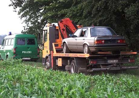 Der Wagen Bergers wurde nach umfangreichen Untersuchungen abtransportiert