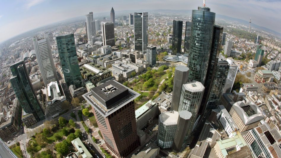 Bankentürme in Frankfurt: Sorge vor Ansteckung der Versicherungsbranche