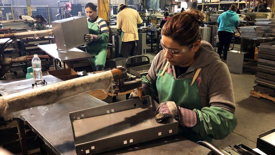 Arbeiterin in Illinois (Symbolbild): Jobs von 50 Millionen Amerikanern bedroht
