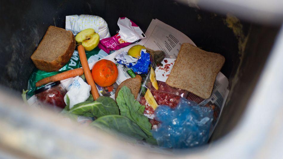 Nahrung im Müll (Symbolbild): EU will Menge der Lebensmittelabfälle bis 2020 halbieren