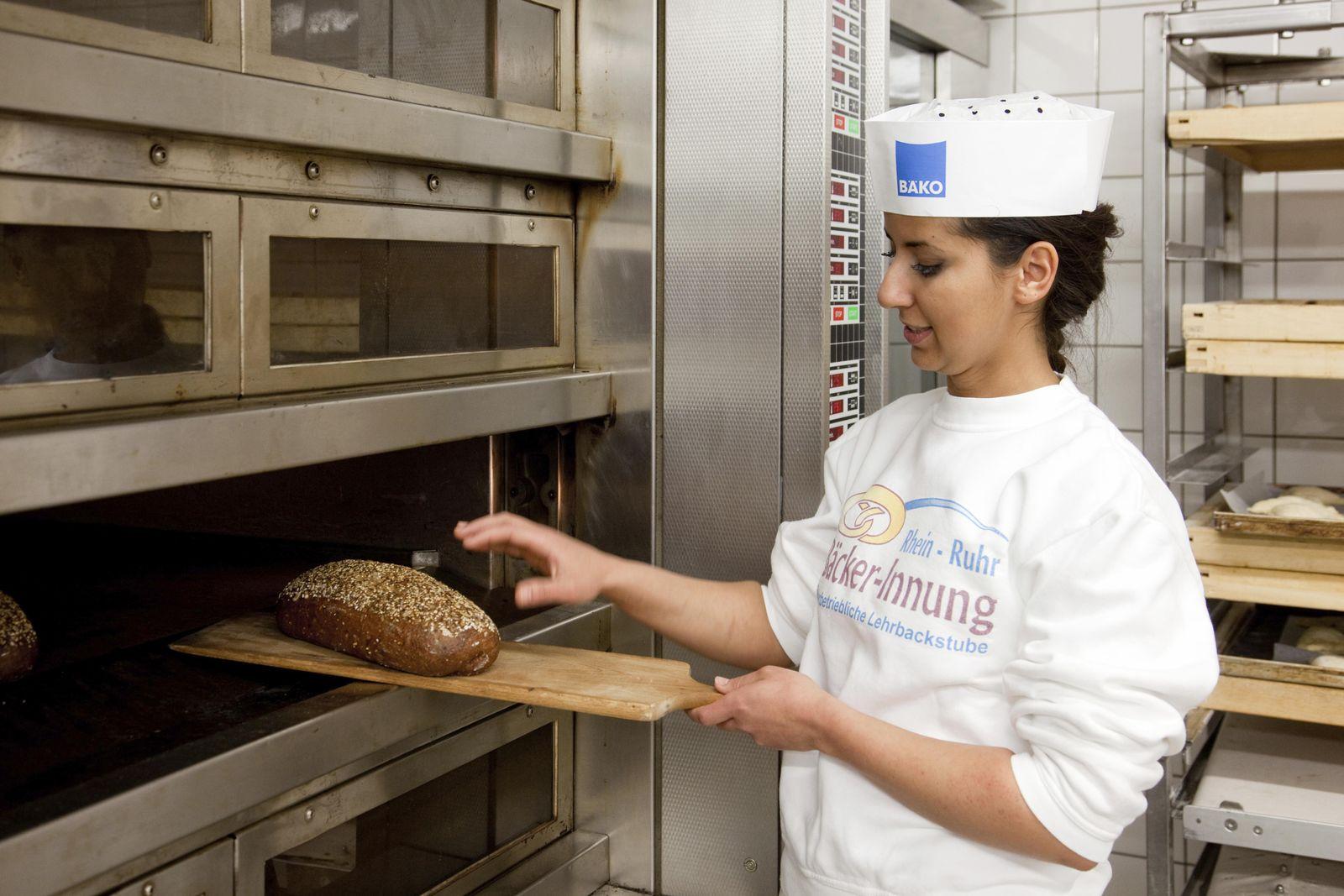 EINMALIGE VERWENDUNG Azubi zum Bäcker