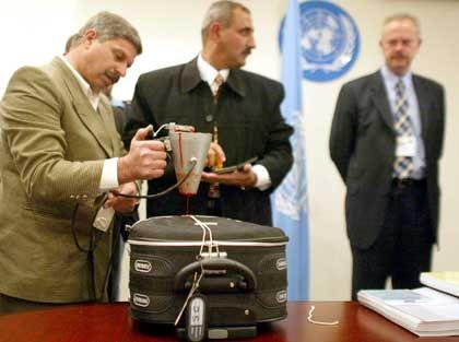 In diesem Koffer wurden die brisanten Dokumente nach New York gebracht und dort von den USA in Empfang genommen