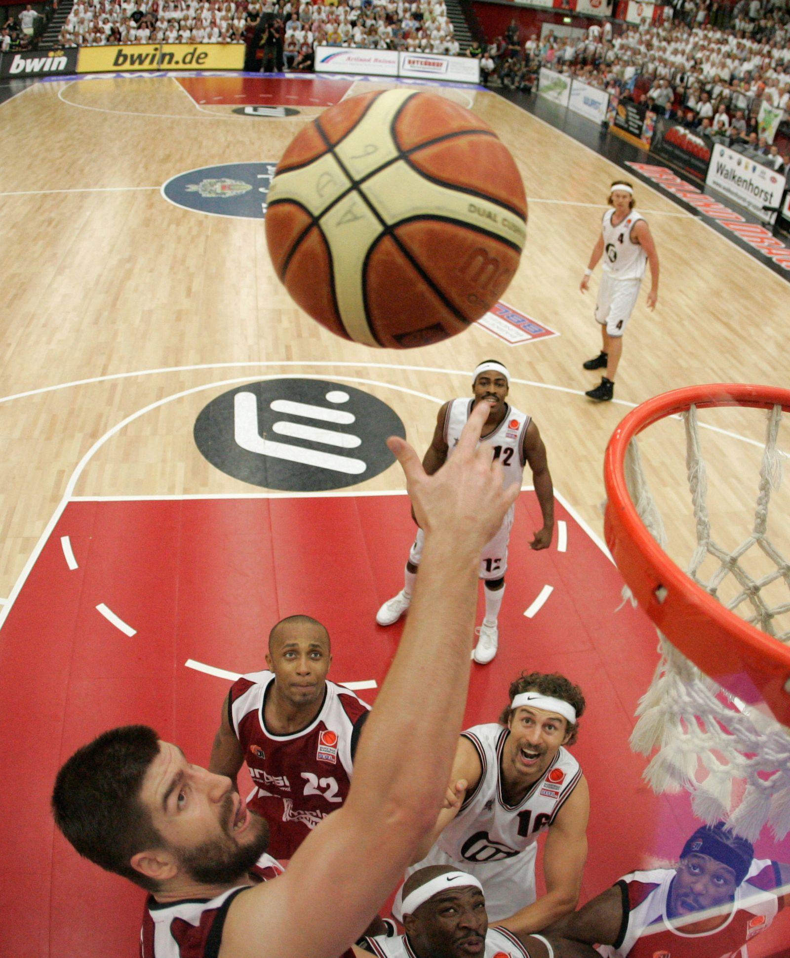 Basketball - Artland Dragons - Brose Baskets Bamberg