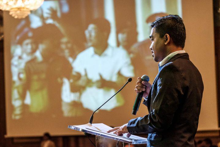 Thura Aung bei der Verleihung des Guillermo-Cano-Preises