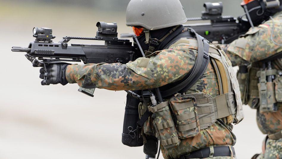 Soldaten üben mit der Polizei den Terrorfall im Inland