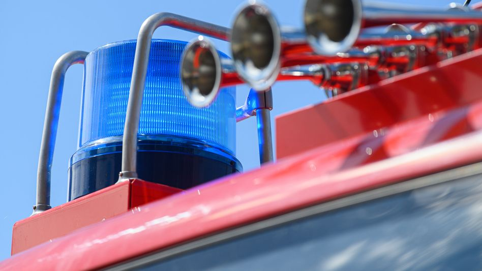 Feuerwehrfahrzeug (Symbolbild): Schaden in zweistelliger Millionenhöhe