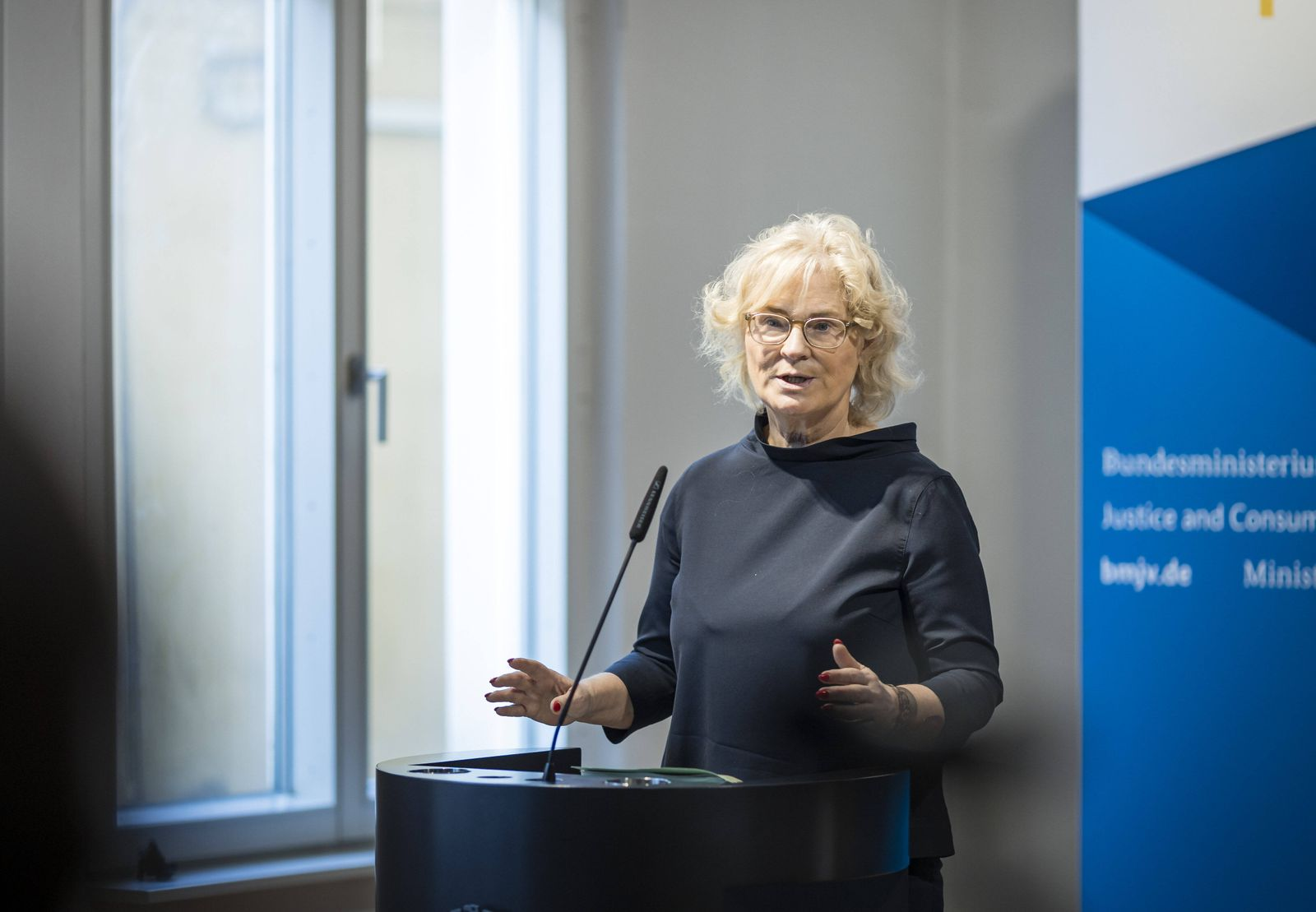 Christine Lambrecht, Bundesministerin der Justiz und fuer Verbraucherschutz, aufgenommen bei einer Videokonferenz, anlae