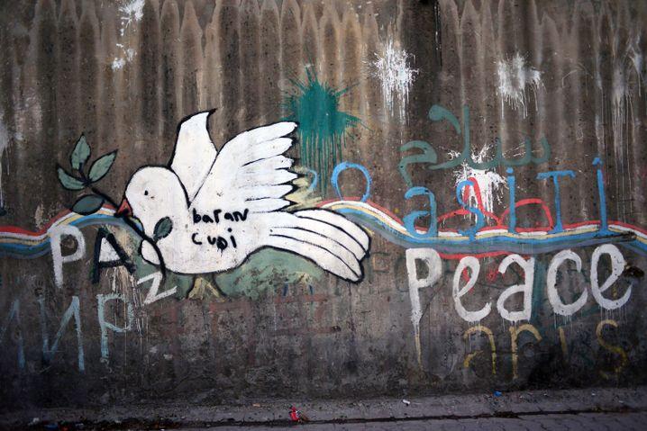 Wandbotschaften der kurdischen Kämpfer in Cizre