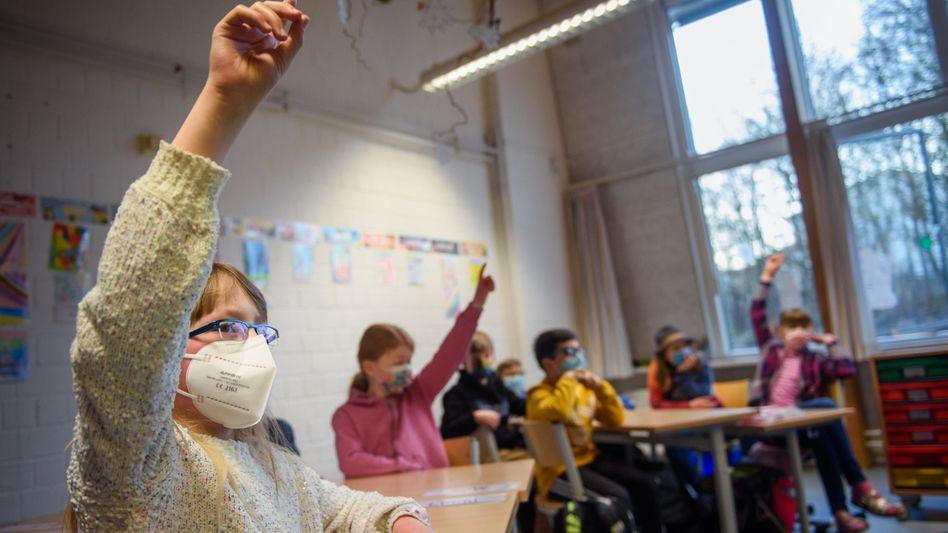 Unterricht mit Maske: Die FFP2-Maskenpflicht in Schulen ist inzwischen aufgehoben