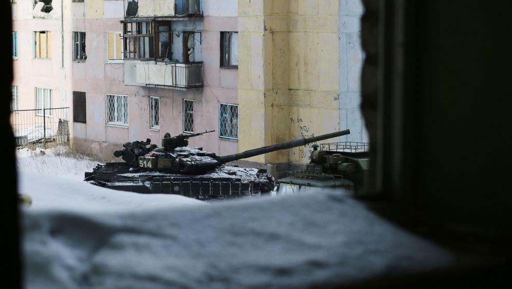Kämpfe in der Ukraine: Ein Krieg und viele Hintermänner
