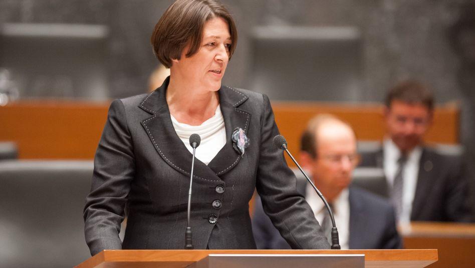 Umstrittene Kandidatin: Darf die Slowenin Bulc EU-Kommissarin werden?