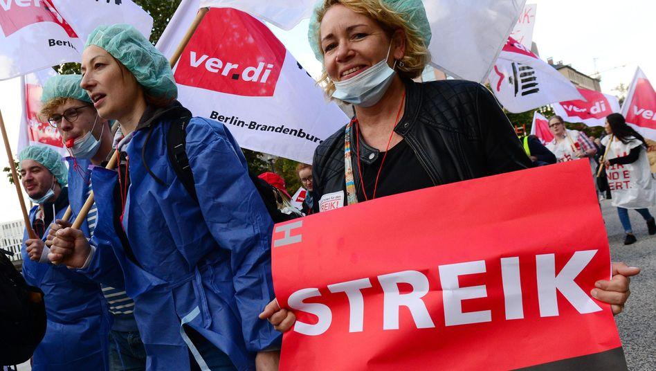 Pflegekräfte streiken in Berlin für mehr Geld