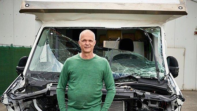 """Ex-Pilot Rödiger mit Testfahrzeug:""""Urvertrauen"""" in deutsche Ingenieurskunst"""
