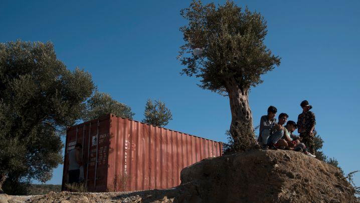 Flüchtlinge auf der Insel Lesbos: Camp Chaos