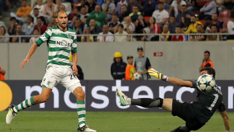 Bas Dost (l.)