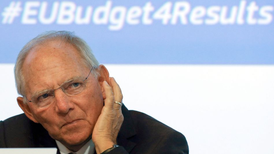 Finanzminister Schäuble: Schwarze Null vorerst beschlossen