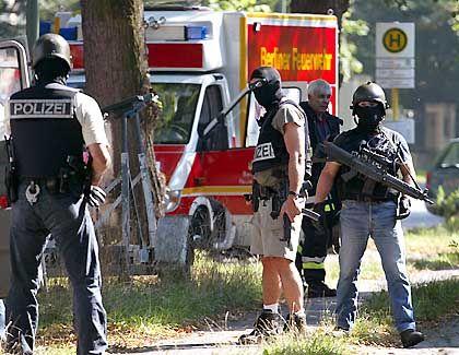 Polizeisperre an der irakischen Botschaft in Berlin: Kontakt nach Bagdad