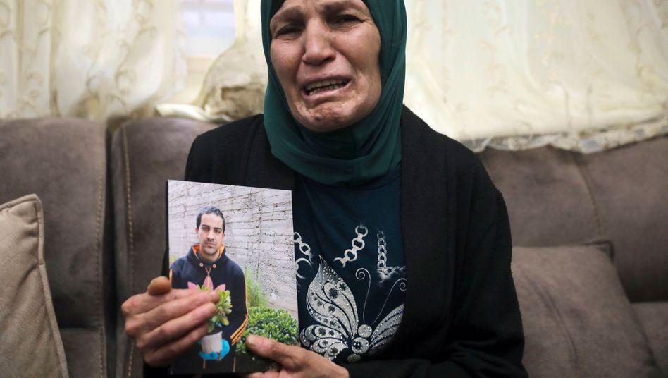 Iyad Halaks Mutter betrauert den Tod ihres Sohnes