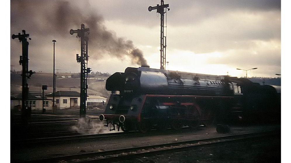 Dampflokverbot: Nichtraucher auf Gleisen