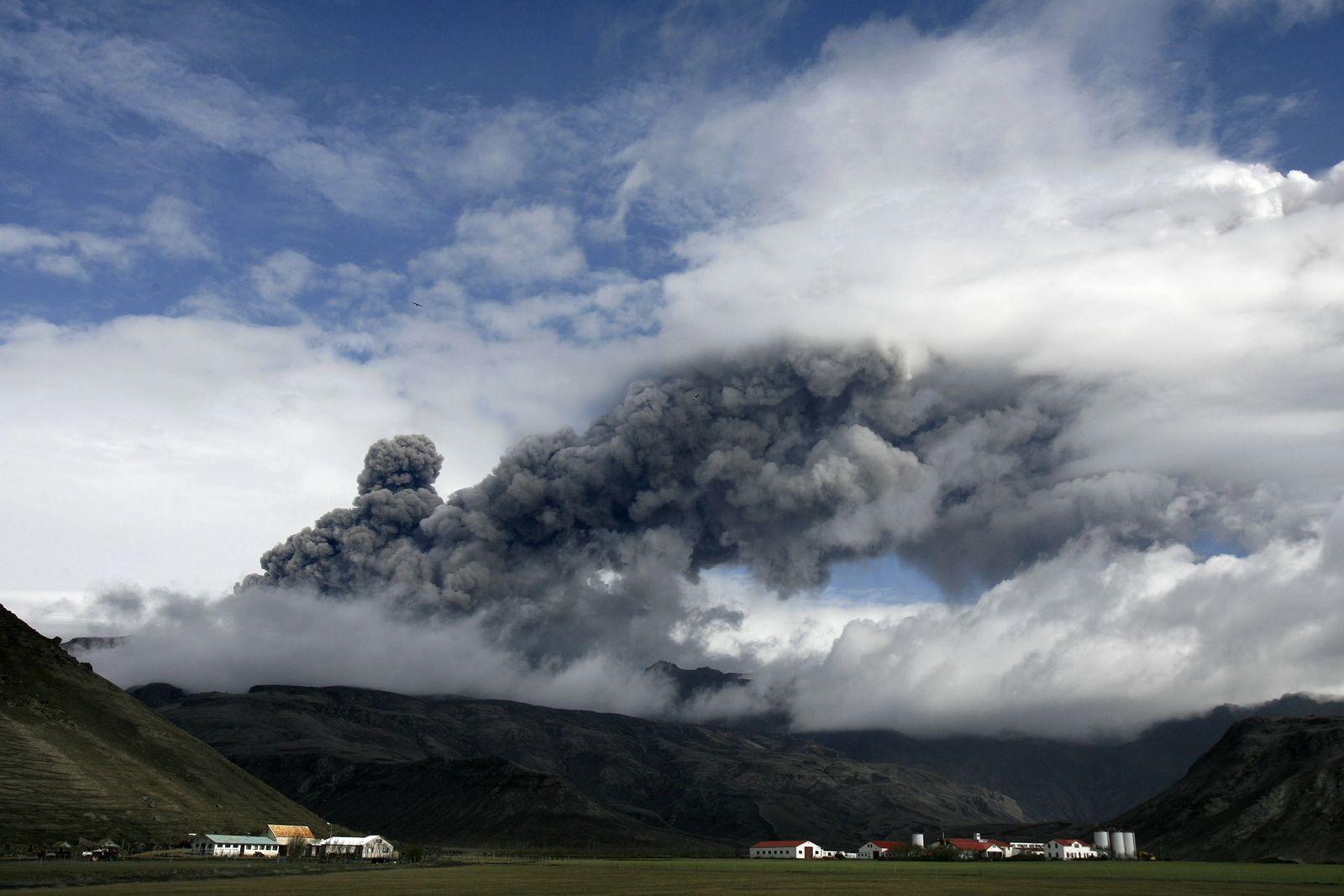 Iceland Volcano ash cloud