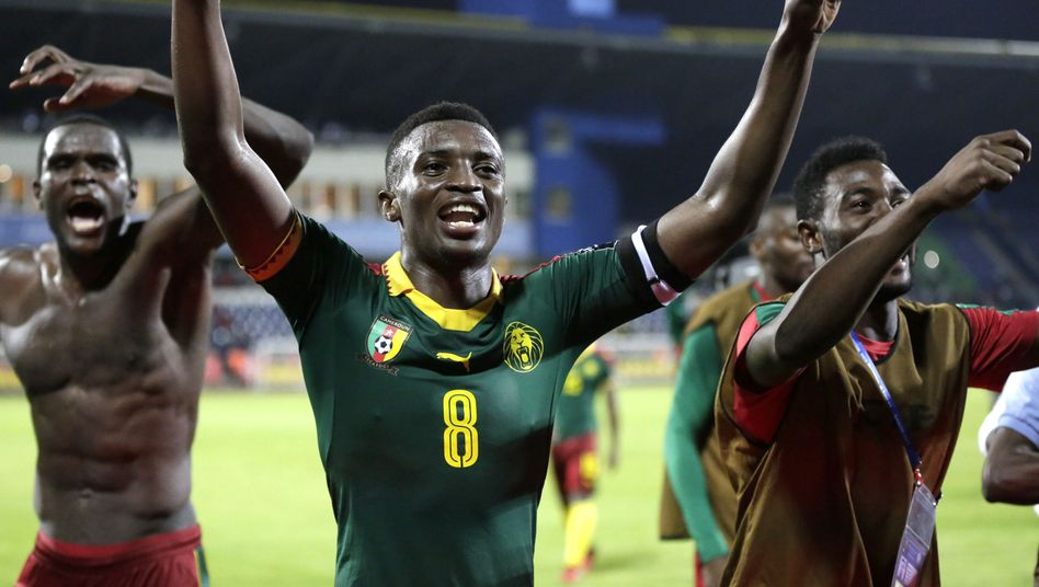 Kameruns Spieler Benjamin Moukandjo (M.)