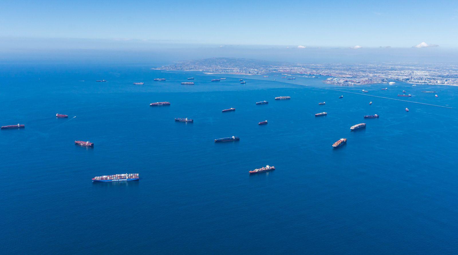 Der Hafen von Los Angeles geht in Rund-Um-Die-Uhr-Betrieb über