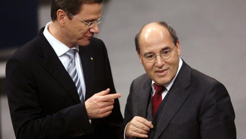 Guido Westerwelle (l.) und Gregor Gysi (Aufnahme von 2005)