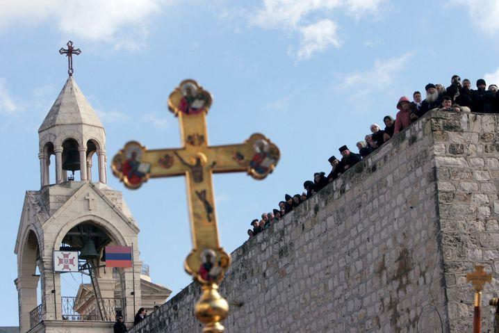 """Obwohl kaum ein Zweifel besteht, dass Jesus in Nazareth zur Welt kam, steht in Bethlehem seine """"Geburtskirche""""."""