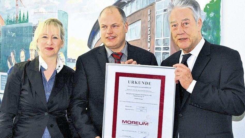 Werber Engholm (r.), Geschäftspartner 2010 »Zur Firma Moreum keine Beziehung«