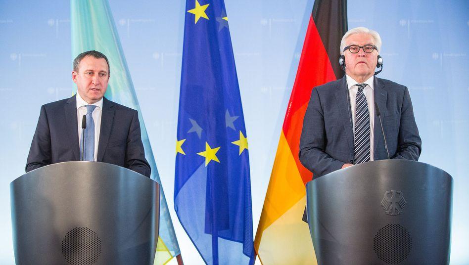 """Außenminister Deschtschiza (links) und Steinmeier am Dienstag in Berlin: Wahlen sind """"Wegmarke"""" für die Ukraine"""