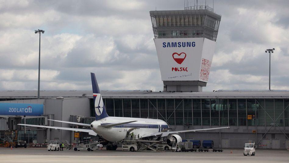 """Lot-Flugzeug in Warschau (Archivbild): """"Dieser Vorfall könnte auch anderen drohen"""""""