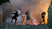 Heftige Ausschreitungen bei Corona-Protesten in Belgrad