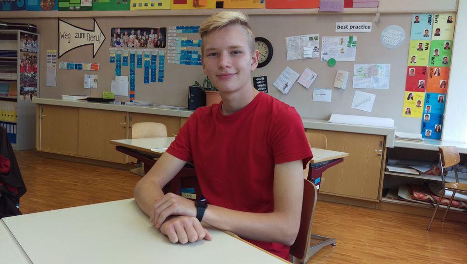 """Max S., 14: """"Normalerweise führe ich ein Tumblr-Blog, das habe ich während der Woche pausiert."""""""