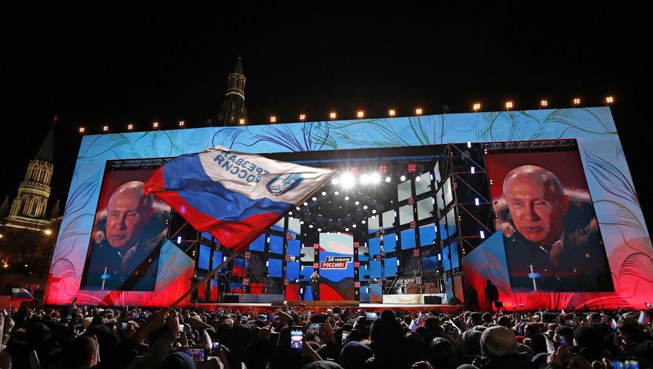 Putin bei Siegesfeier in Moskau