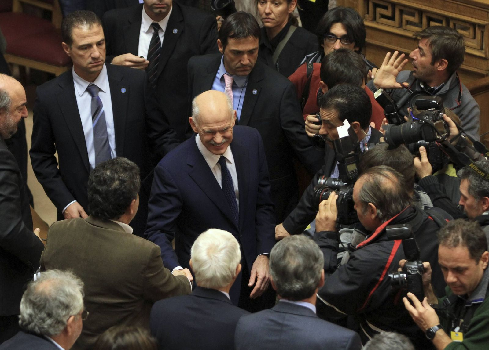 Papandreou im Pulk