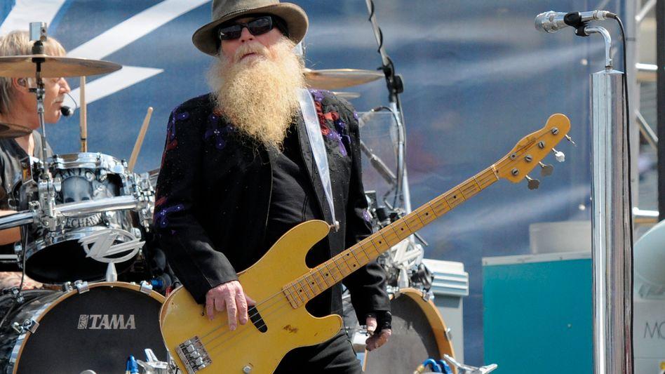 ZZ-Top-Bassist Dusty Hill (2015): »Manche Leute tragen falsche Bärte zur Tarnung, das konnten wir leider nicht«