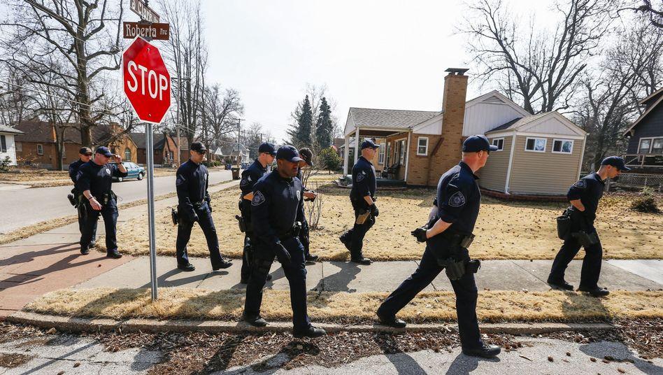 Die Polizei durchkämmt Ferguson: Für den Abend werden Proteste erwartet