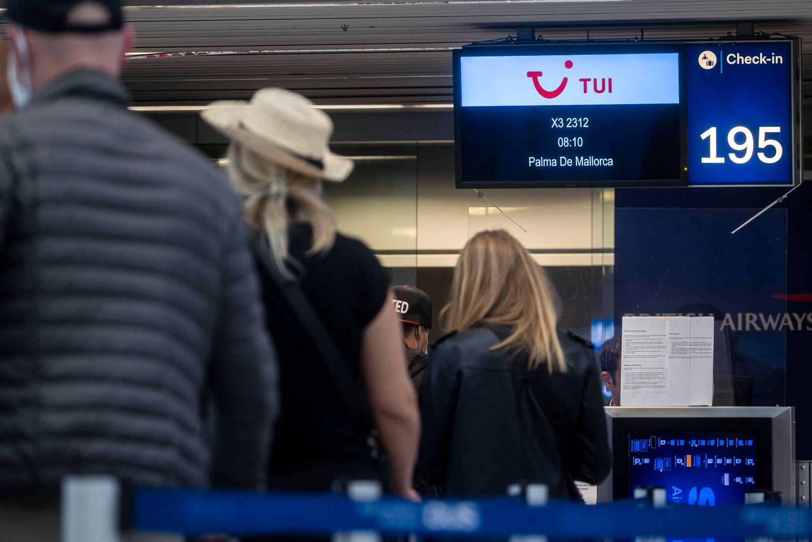 15.06.2020 , DSSD Düsseldorf , Europaweiter Reiseverkehr wieder möglich , vom Flughafen Düsseldorf starten die ersten U