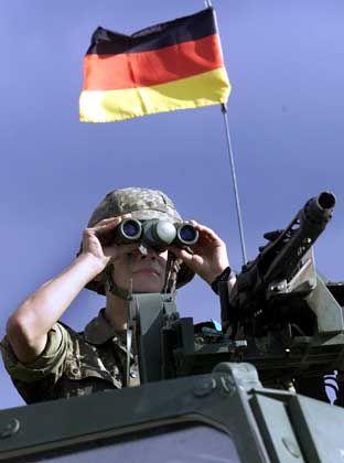 Ungewisse Aussichten: Deutscher Nato-Soldat in Mazedonien