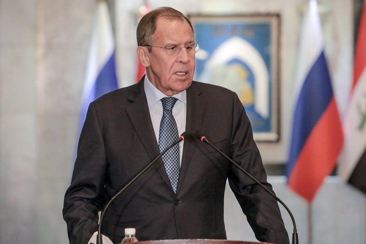Russlands Außenminister Sergej Lawrow fordert Verhandlungen zwischen dem Assad-Regime und den SDK-Kräften