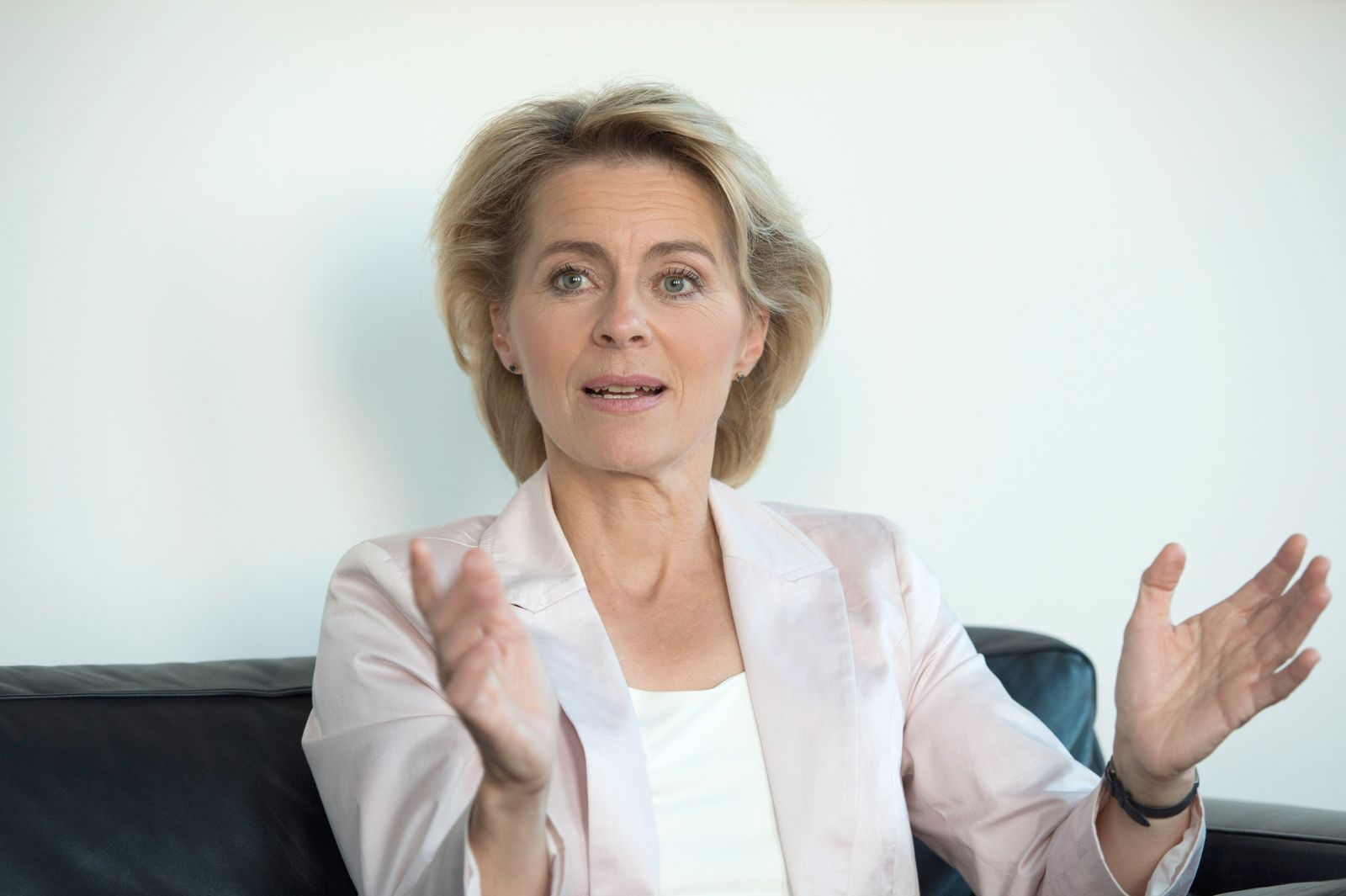 Interview/ von der Leyen