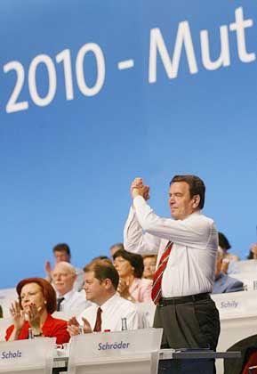 Triumph auf dem Parteitag: Schröder hat seine Reform-Agenda durchgesetzt