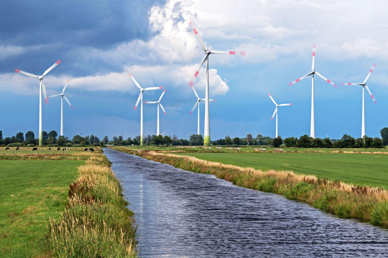 Windräder / Windenergie / Windkraft / Windkraftanlage / Windkraftanlage / Windtpark